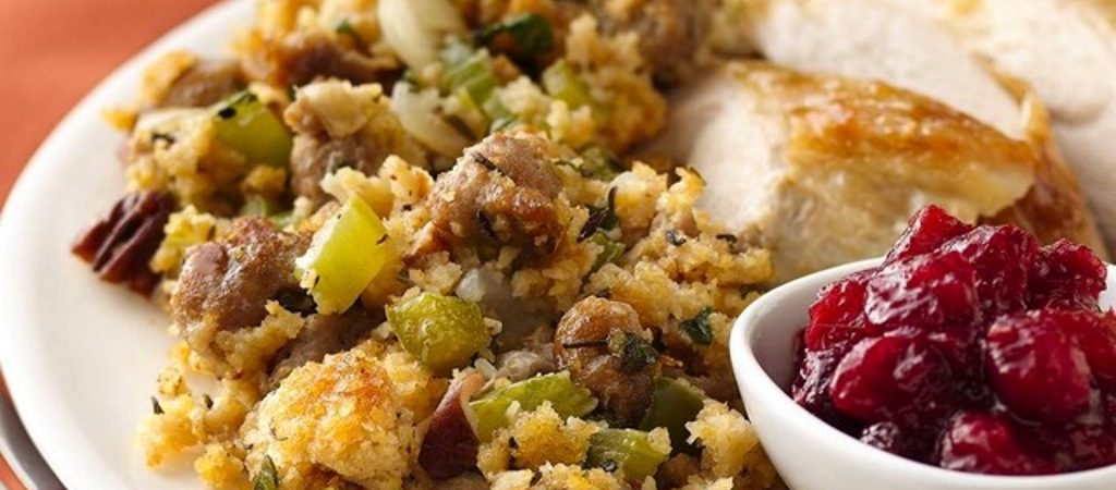 thanksgiving-dining-eau-palm-beach-resort-spa-stuffing-and-cranberry-sauce