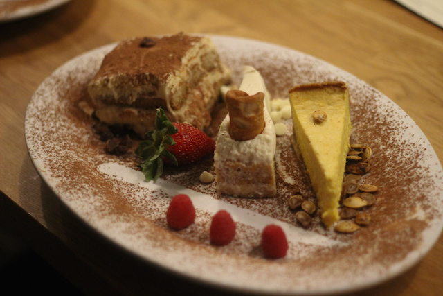Roots Italian Kitchen Dessert Trio Savor Tonightsavor Tonight
