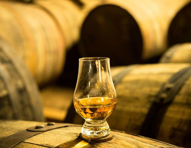 Glenfiddich Solera Reserve - dram tasting - courtesy of glenfiddich
