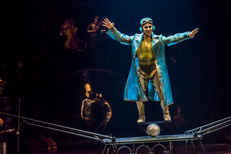 KURIOS cirque du soleil -15091__DSC9928 - Photo_Martin Girard_ shootstudio.ca Costumes_Philippe Guillotel © 2014 Cirque du Soleil